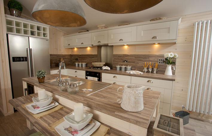 Casa di lusso kitchen holiday home living for Arredi di lusso casa