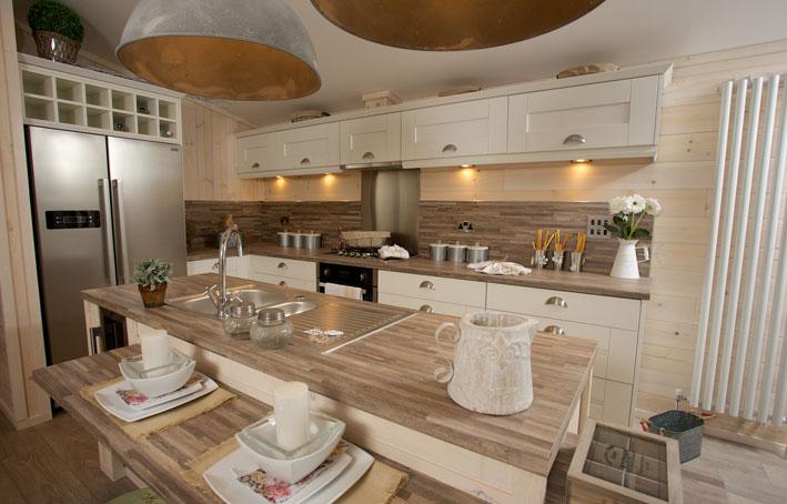 Casa di lusso kitchen holiday home living for Casa di lusso