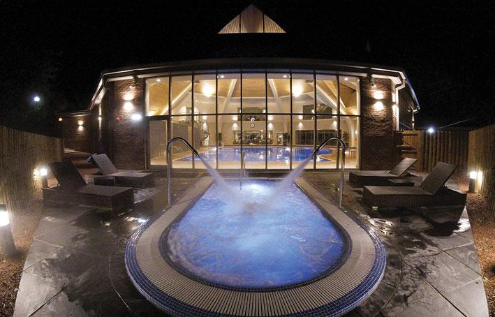 Kenwick Park Outdoor Pool