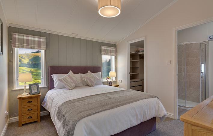 Willerby Juniper main bedroom