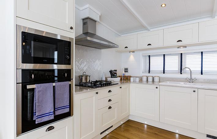 Prestige hampton kitchen